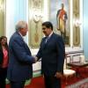 Presidente Maduro dialoga con diplomático estadounidense