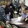 Demandas legales buscan bloquear recuento de votos en Michigan y Wisconsin