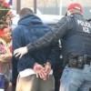 Inmigración arrestó a más de 100 entre ellos dominicanos
