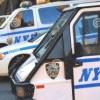 Usan vehículos policiales para exhibir letreros contra Donald Trump