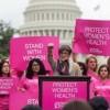 Trump firma ley que afecta programas de salud reproductiva