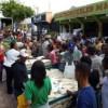 NIZAO | Cientos de consumidores acuden a mercado controlado