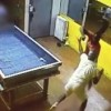 Hieren a balazos a hispano en un club ilegal de juegos