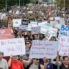 Miles de personas marcharon contra el racismo en Boston