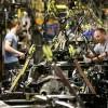 Trabajadores en EEUU expectantes por prometido aumento salarial