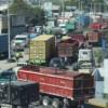 Camioneros levantan paro tras acuerdo con empresa