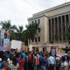 Profesores protestan frente al Ministerio de Educación