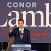 Candidato demócrata clama victoria en ajustada elección especial en Pensilvania