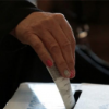 Costarricenses eligen presidente en medio de fe y política
