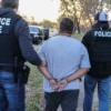 Arrestan a indocumentados que pidieron patrocinar a menores
