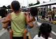 Mueven a niños migrantes por denuncias de malas condiciones