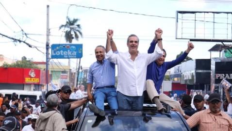 BANÍ | Abinader, Ramírez y Franjul encabezan marcha caravana
