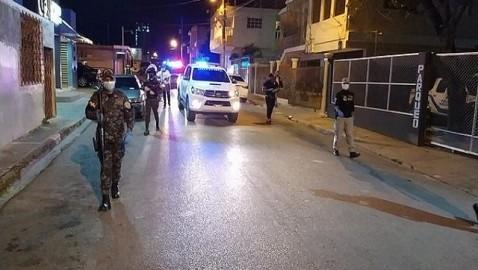 Casi 2,500 detenidos por violar toque de queda ampliado