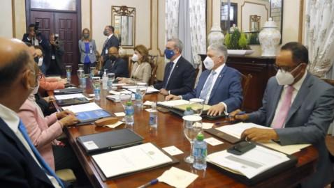 Abinader pospuso sesión del CNM a solicitud del PLD