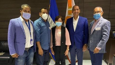 BANÍ   Alcalde y gobernadora piden ayuda a ministro Ascensión
