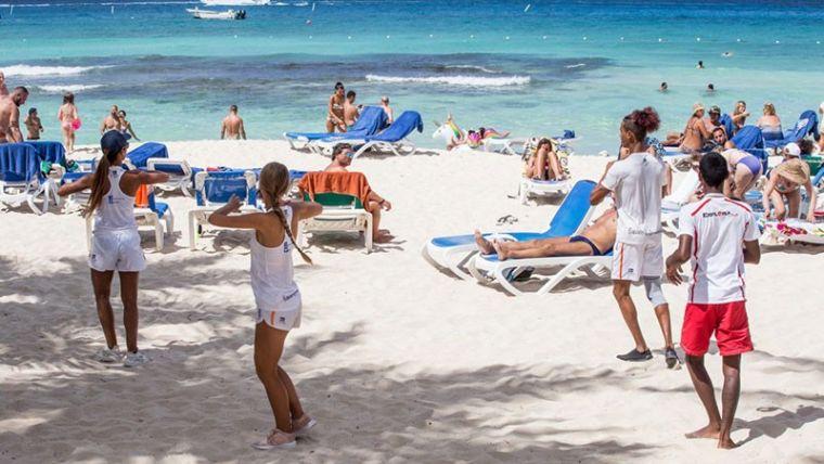 La imagen tiene un atributo ALT vacío; su nombre de archivo es turismo-dominicano.jpeg